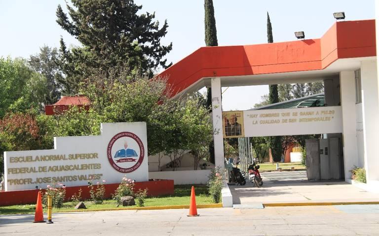 La Escuela Normal Superior Federal de Aguascalientes fue fundada una tarde del 28 de noviembre de 1977, en sus 43 años han egresado miles de docentes que se encuentran desarrollando su trabajo a lo largo y ancho del territorio nacional.